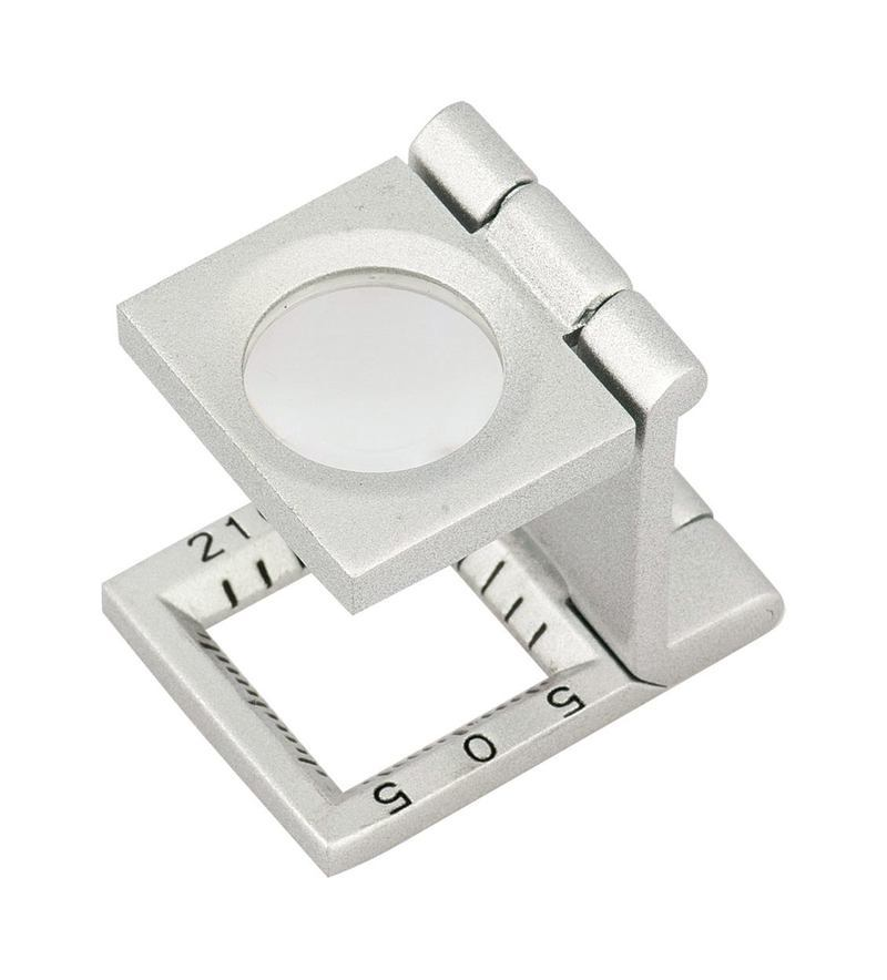 Court magnifier
