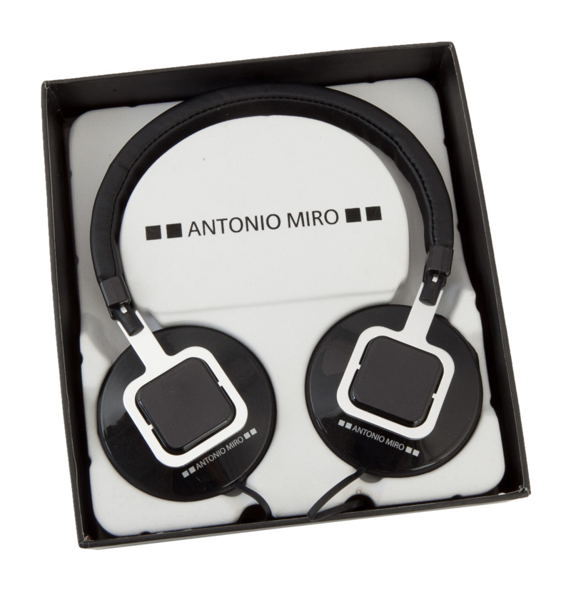 Kelsi headphones