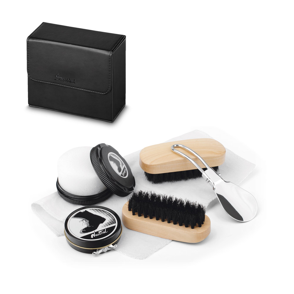 Marilou. Travel set for shoe cleaning
