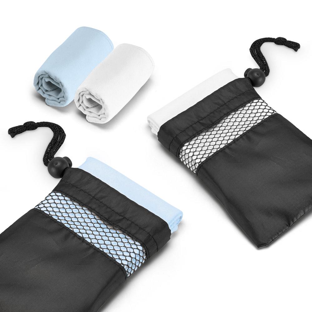 TRAVIS. Sports towel in microfibre