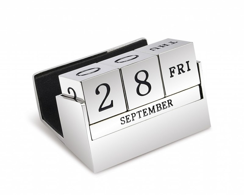 DESK CALENDER IN STANDARD BOX