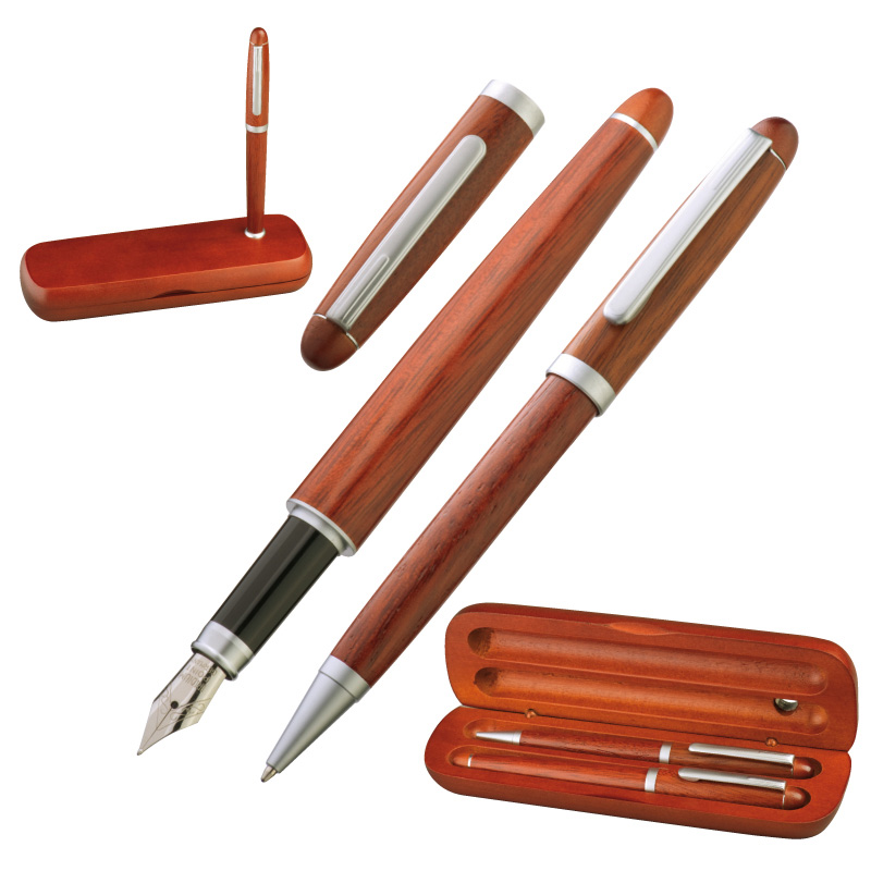 Rosewood set in stylish case