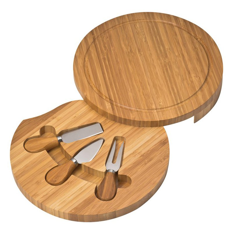 Chopping board made of bamboo